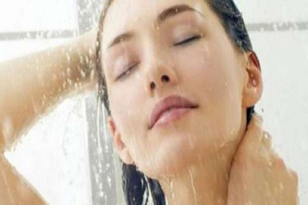 problam Bathing with hot water in hindi