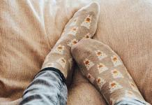 Benefits of sleeping with socks in hindi