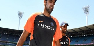 Ravichandran Ashwin joins the Sydney Test team though doubts on playing