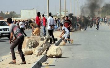 10 people killed in violent clashes in Libya