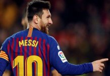 Lionel Messi scores 400th Barcelona goal in 3-0 win over eibar