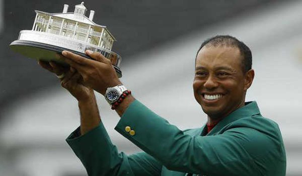 Tiger Woods wins his 5th Masters title