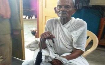 uttar pradesh itawah mein Shatabdi Express me gandhi dhari ko safar se roka