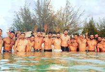 virat kohli shared shirtless photo of him with teammates