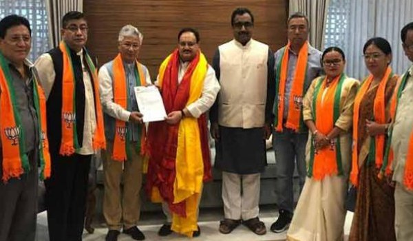 10 SDF MLAs join BJP in Sikkim