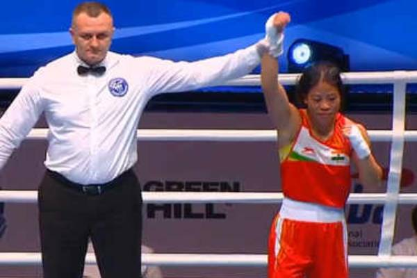 mary kom-enters-quarterfinals-of-womens-world-boxing-championships