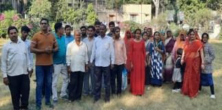 नागरिकता कैम्प के लिए सिरोही कलक्टरी पहुंचे मंडार में बसे पाकिस्तान से विस्थापित हिन्दु परिवार।