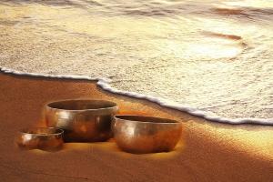 singing-bowl-1063306_640
