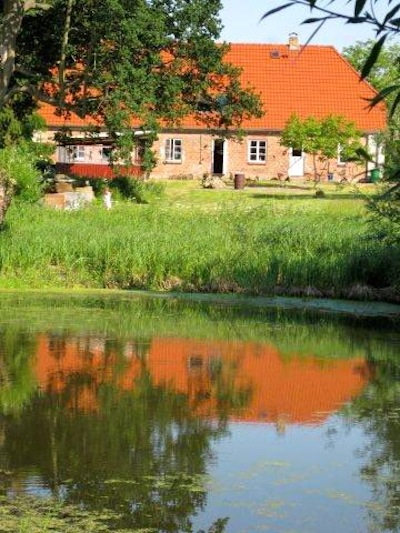 Mitten auf dem Land in herrlicher Natur - hier haben wir ideale Bedingungen, um frische Gedanken zu bekommen.