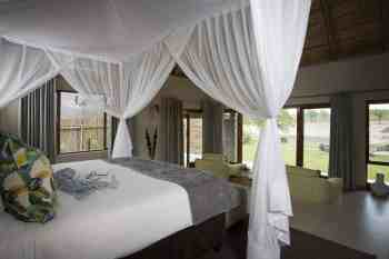 Arathusa Safari Lodge Luxury Room Bedding