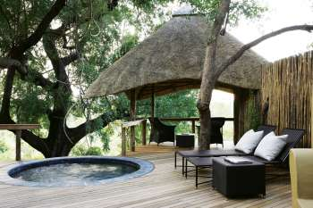 Londolozi Varty Camp Pool Deck