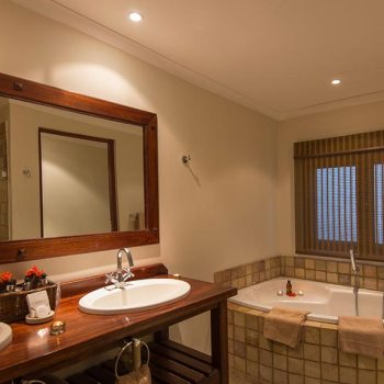 Sabi Sands Private Game Reserve 4 Star Accommodation Bathroom
