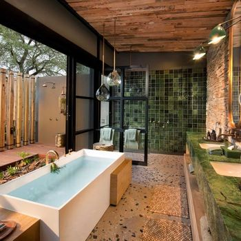 Tengile River Lodge Luxury En Suite Bathroom