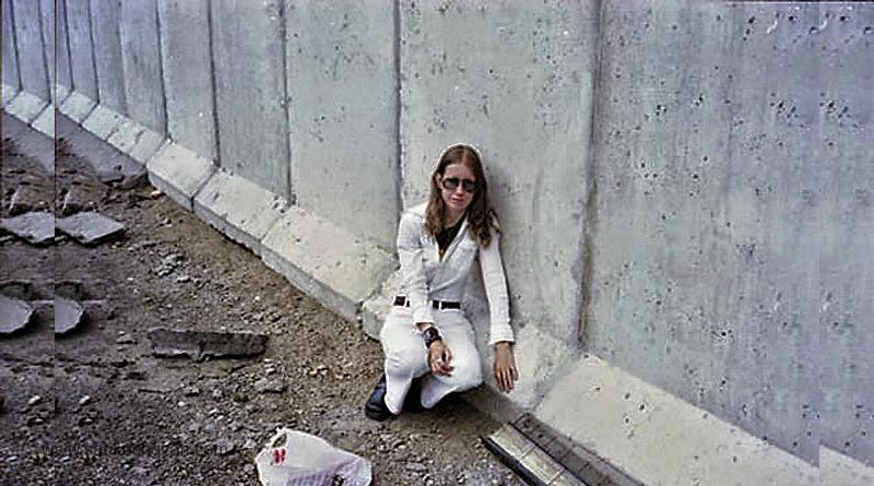 Marriage-with-Berlin-Wall