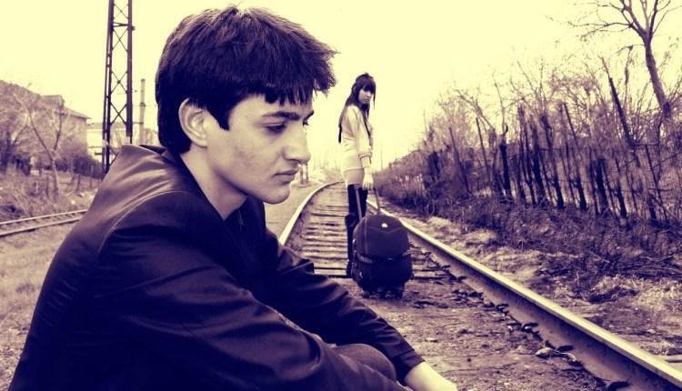 Emotional sad love shayari for broken heart lovers hindi poetry (1)