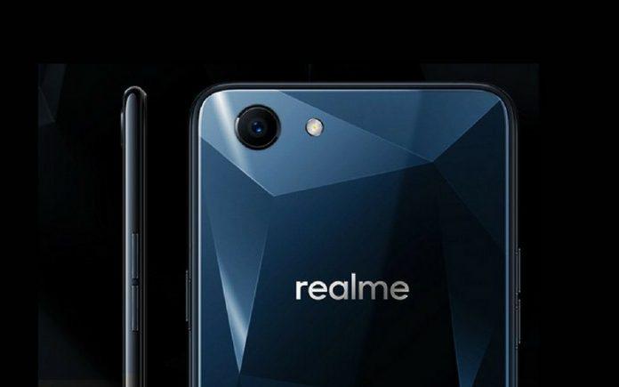 Realme-1-Live-Image-Leaked-696x435