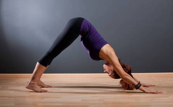 fit-should-be-five-such-yog asanas-that-every-woman-should-do-daily