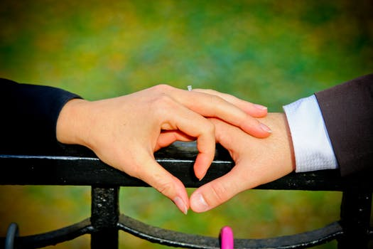 it-can-cross-a-border-of-love-with-a-pair-of-four-zodiac-signs