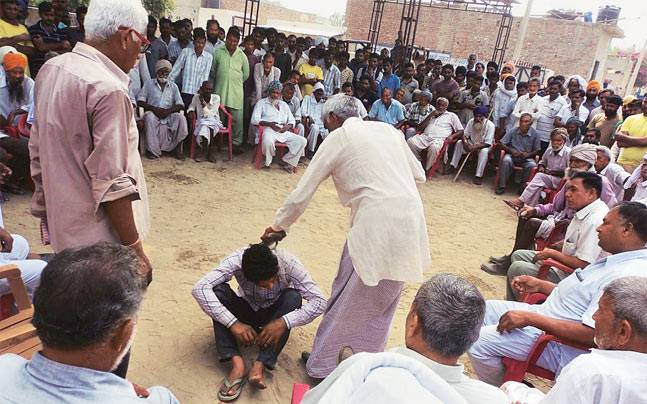 in-this-village-panchayat-told-two-husbands-of-strange-decisions (1)