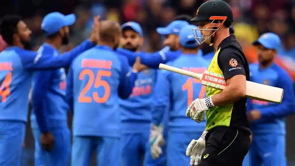 Australia defeated Kohli by Dhawan, India won by 6 wickets, Third T20, View scorecard