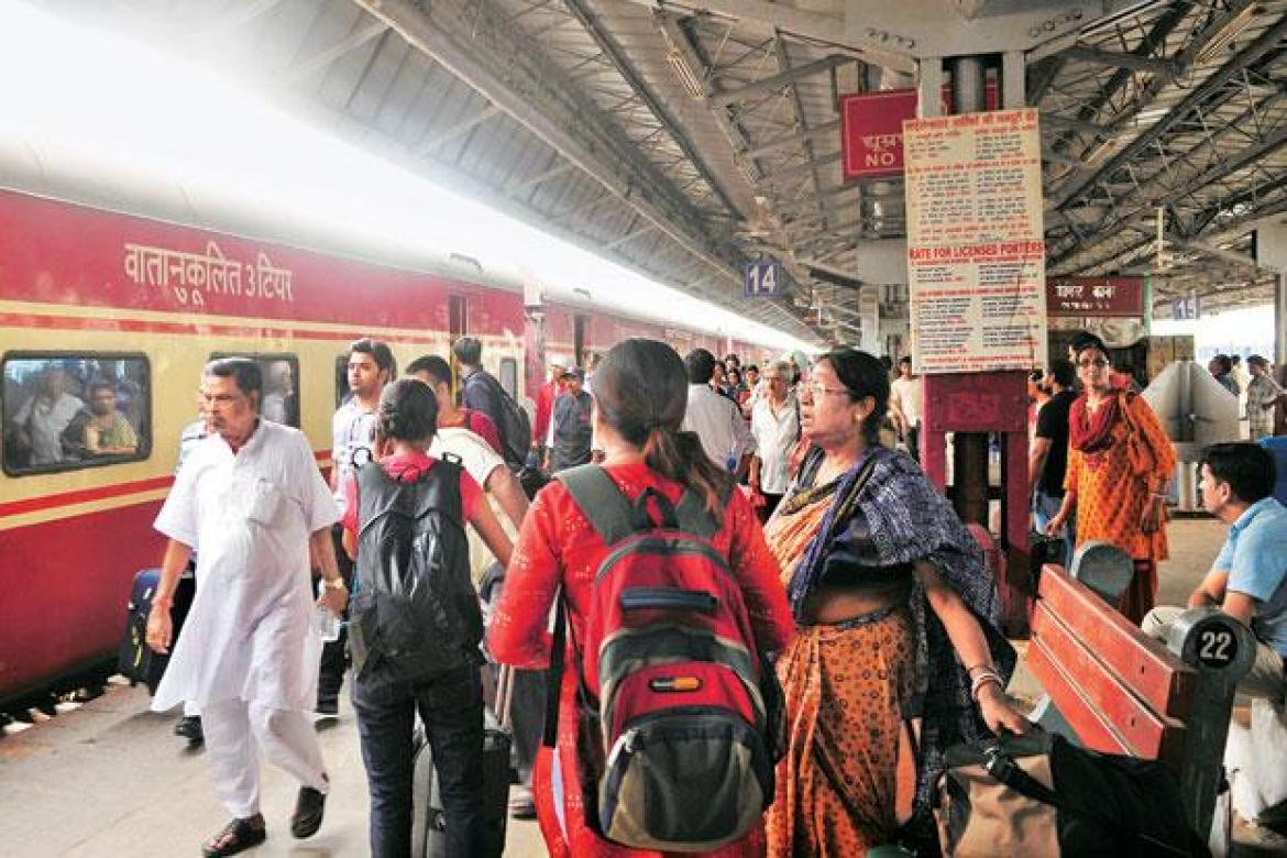 Railway stations will now run in the footsteps of the airports, the railway station will be reached soon