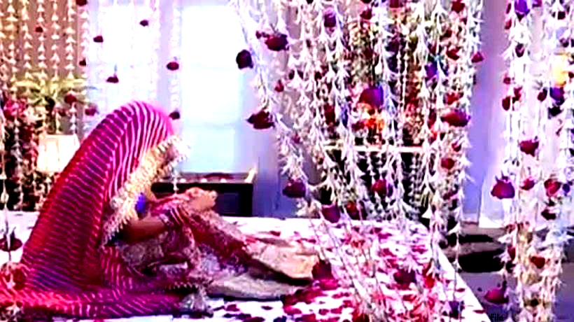 1 lacs for marriage, bride bridal flutter on the day of honeymoon