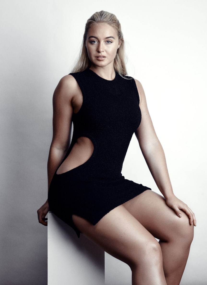 MODEL ISKRA LAWRENCE HOT IMAGES AND INFORMATION