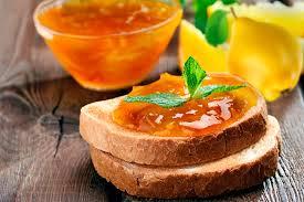 pan-con-mermelada-de-membrillo