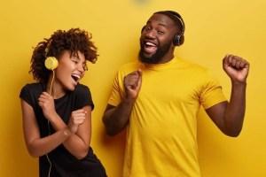 felicidade-ouvir-musica