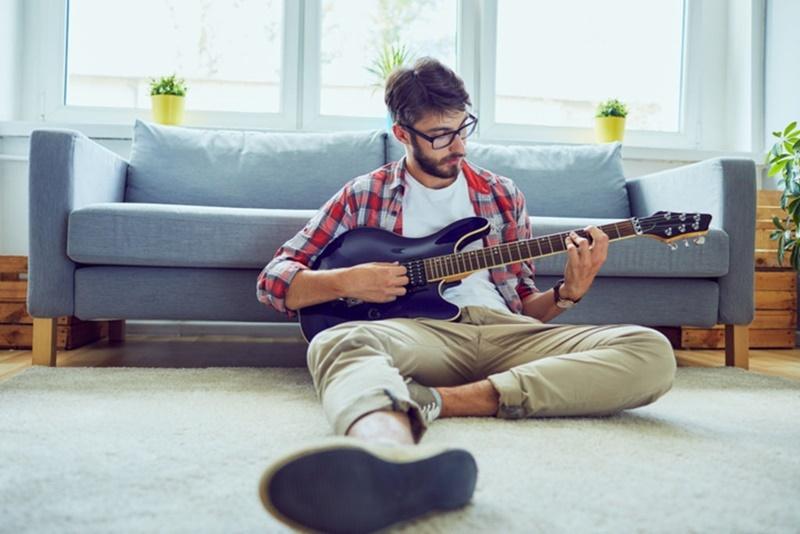 tocar-um-instrumento