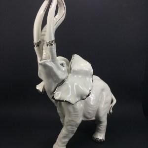 Statua Elefante Capodimonte con profili in platino Villari
