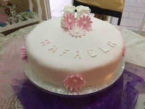 Torta de baby shower flores rosadas para niñas