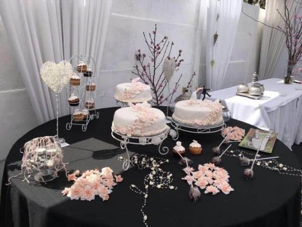 Torta para Matrimonios decorada  fondant
