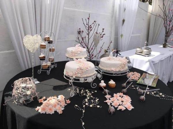 Torta Matrimonio decorada  fondant