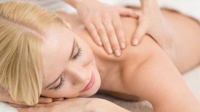 Les massages. Un des traitements offerts au GEOS SPA de l'hôtel Sacacomie.