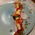 tartare de saumon servi au restaurant de l'hôtel Sacacomie, photo prise par LuxeMagazine.