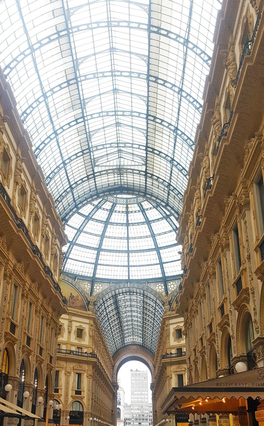 12 in Milan_Galleria Vittorio Emanuele II inside