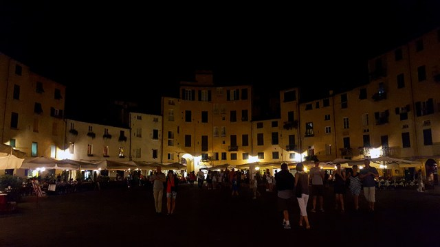 Lucca Amphitheatre at night_