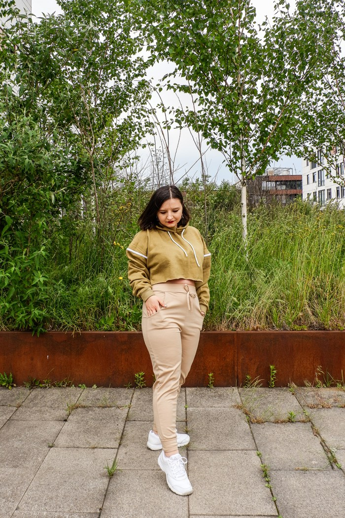How to wear casual two-piece outfits this summer