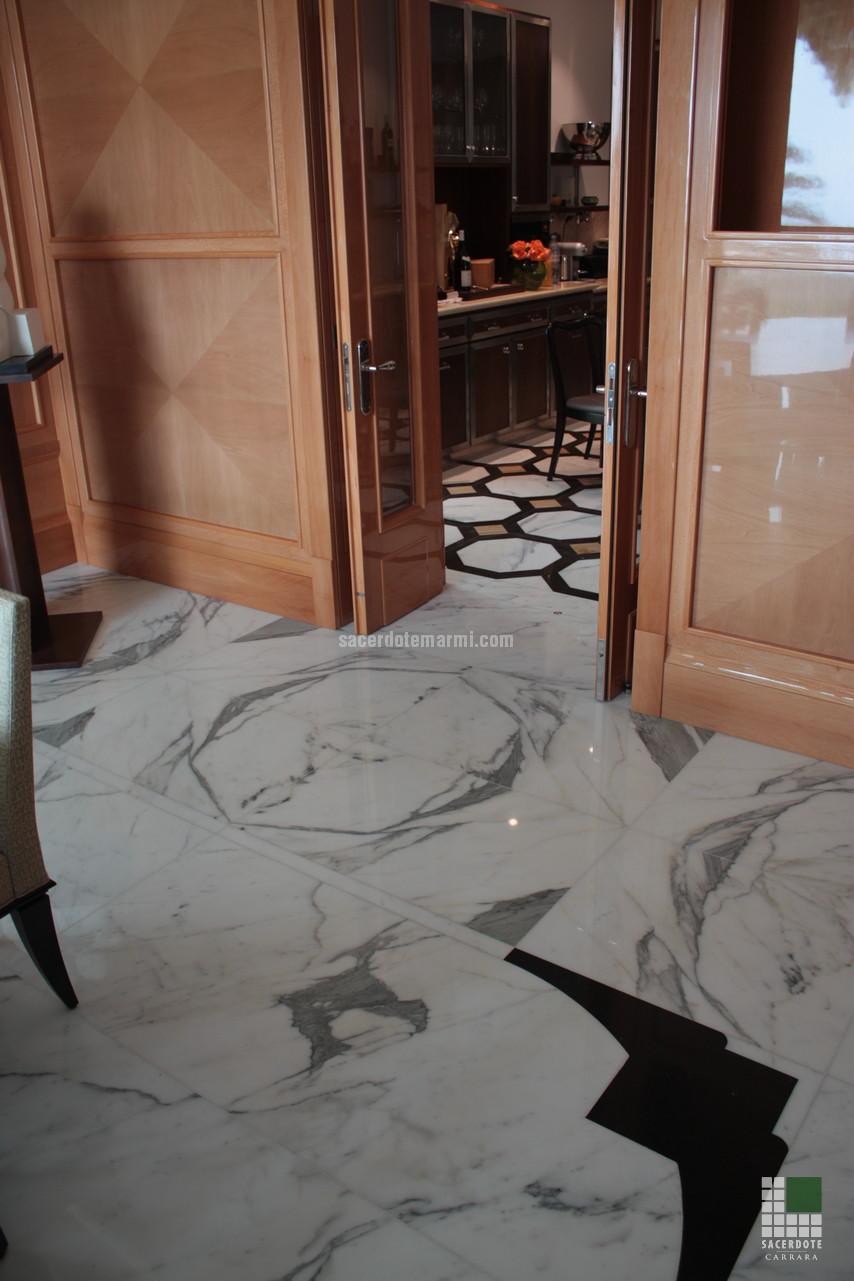 Scale bagni e pavimentazione Villa Montecarlo  SACERDOTE MARMI  Carrara  Lavorazione marmo