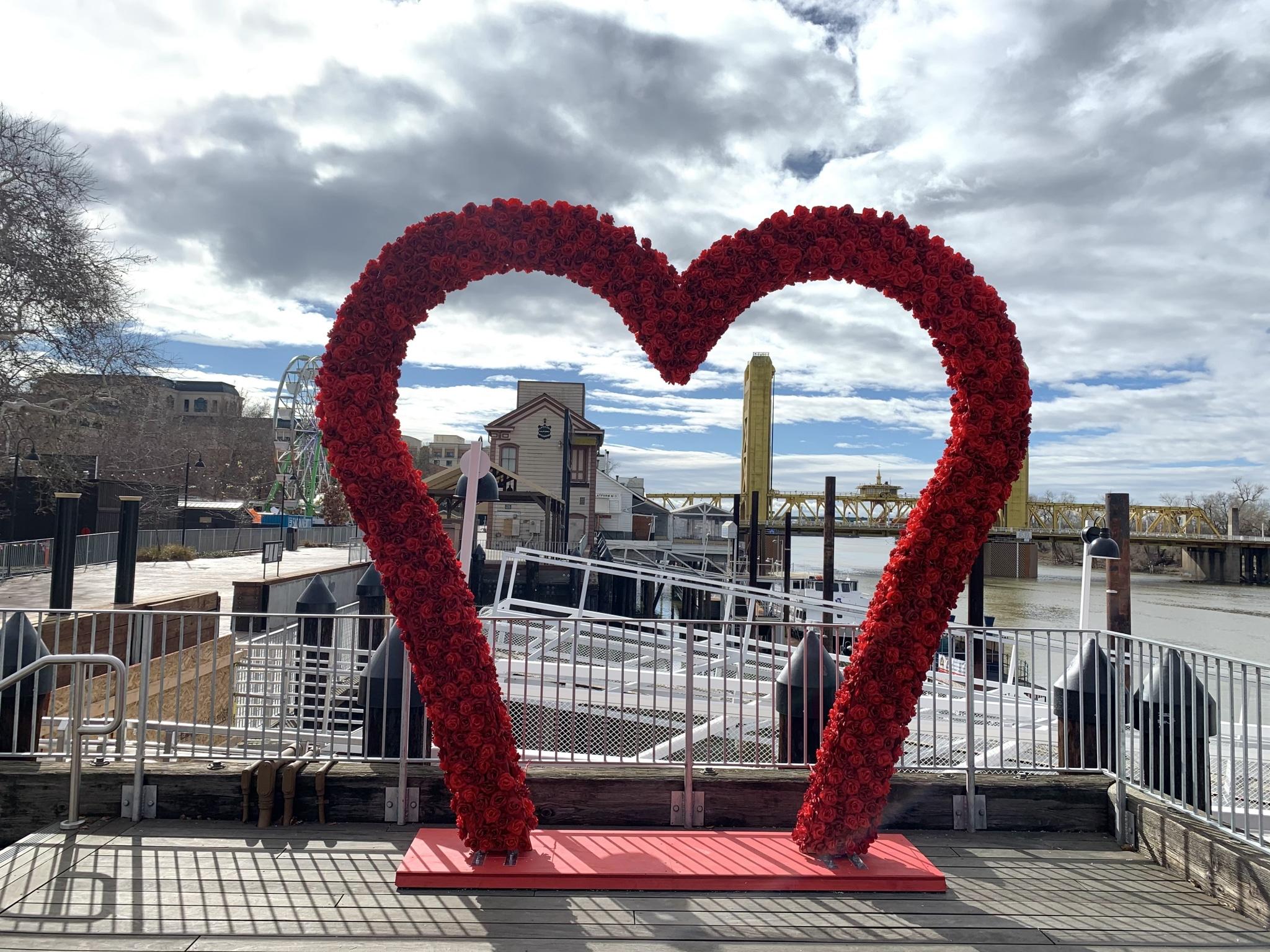 10′ Heart Arch Installed at the Old Sacramento Waterfront via @sacramentopress