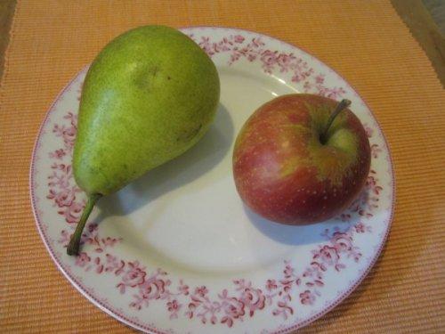 Schöne Äpfel und Birnen gibt's jetzt reichlich! Greifen Sie auf dem Wochenmarkt zu.