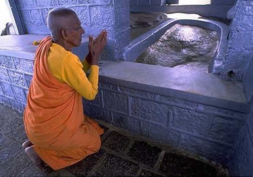 'Footprint' inside the temple at the summit of Adam's Peak. Image Amila Tennakoon CC via Flickr
