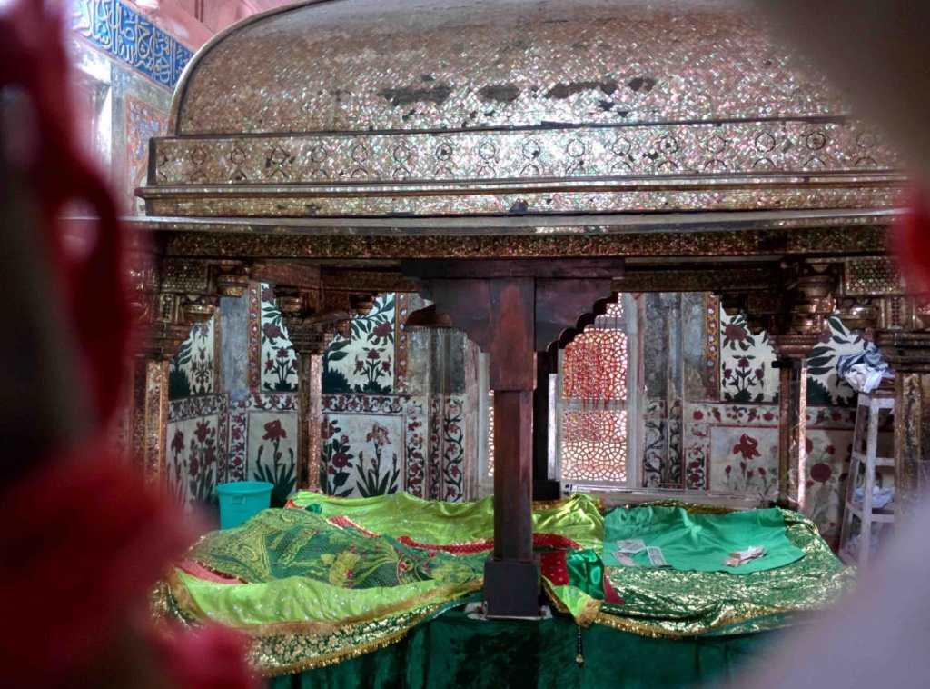 shrine of Salim Chishti