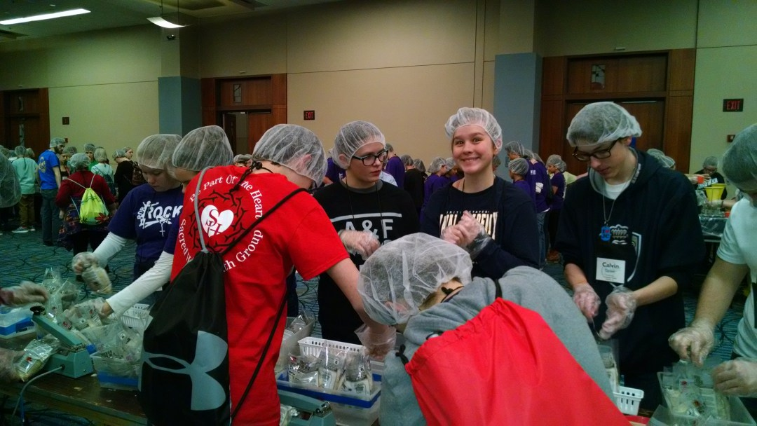 DYC 2015 - food packing