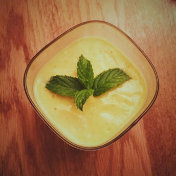 protein shake mango lassi recipe with hemp, post-yoga fuel, low sugar, healthy fermented food drink digestion