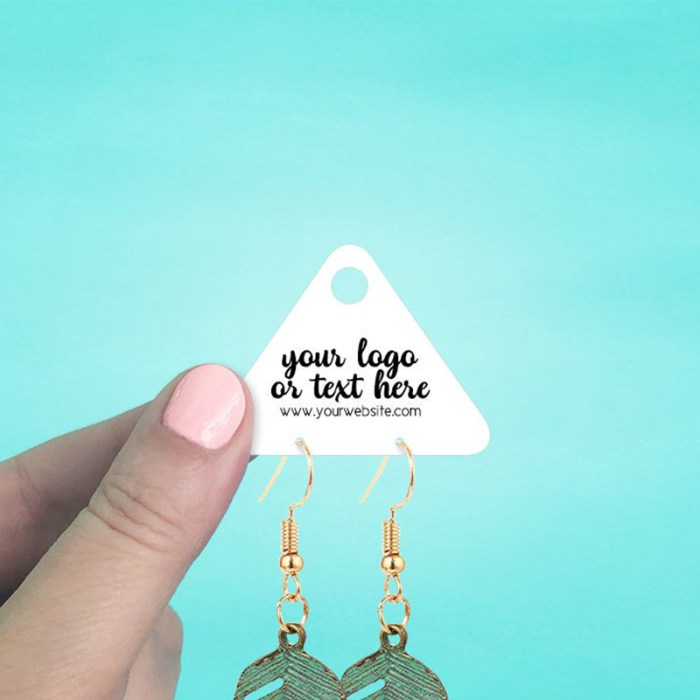 """Set of 100 2 x 1.5"""" Triangle Mini Hanging Earring Display Cards"""