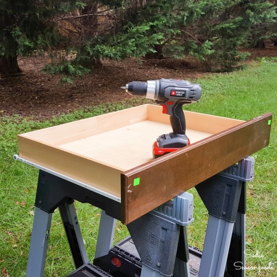 Removing the drawer front and side rails from a shallow drawer