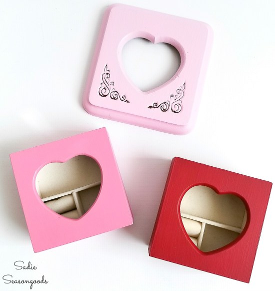 Painting the mini jewelry box or picture frame jewelry box for Valentines home decor