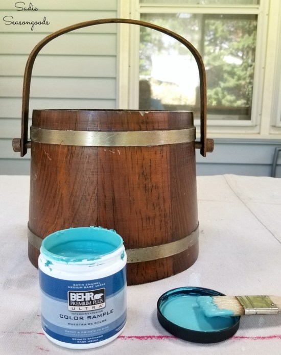 Painting a vintage ice bucket to upcycle into a flower bucket with aqua paint
